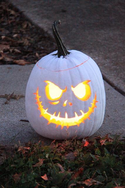 halloween-935259_640